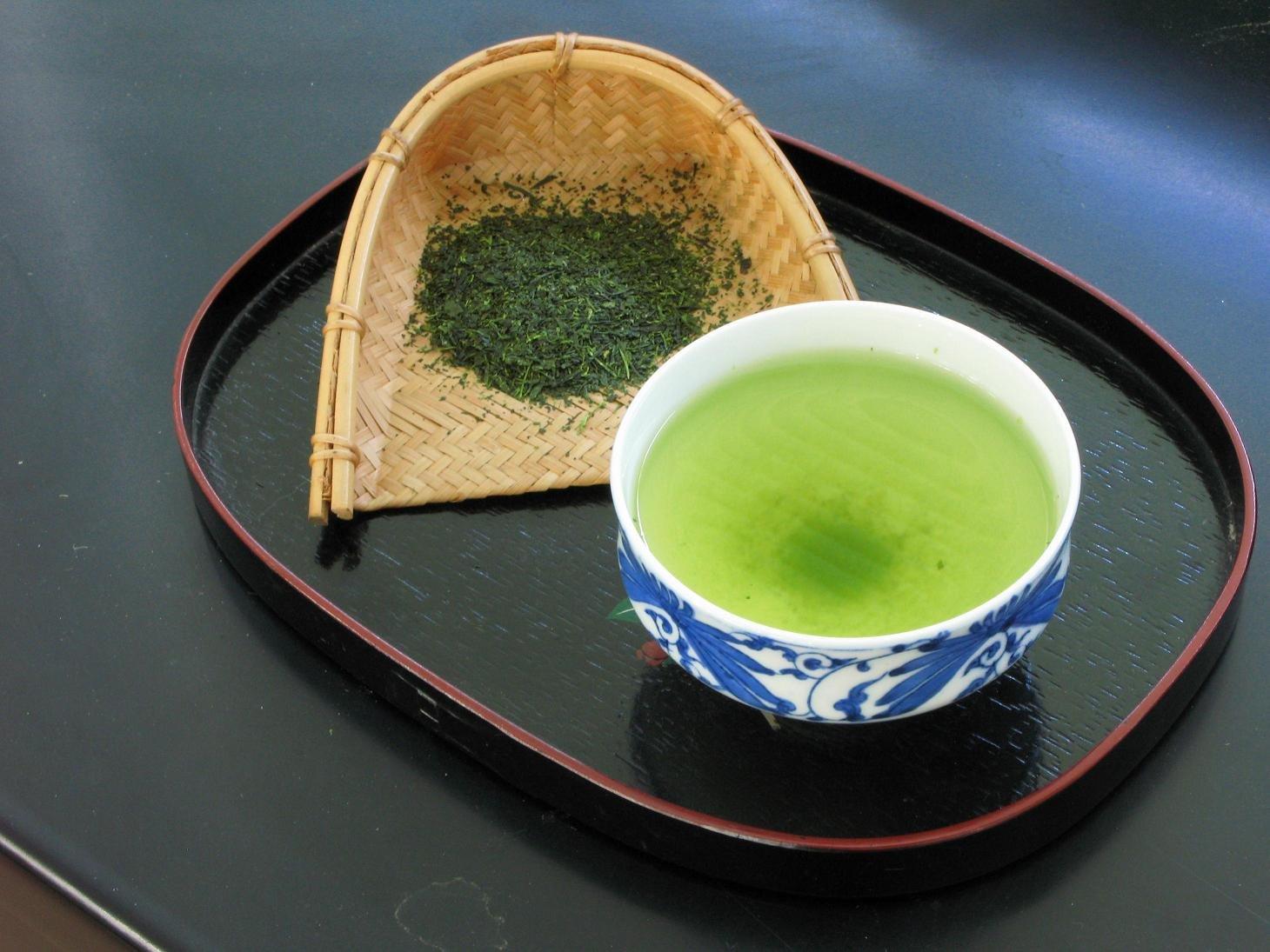 A zöld tea kathekin tartalma magas, ezért a fehér tea mellett a másik legegészségesebb teaféle
